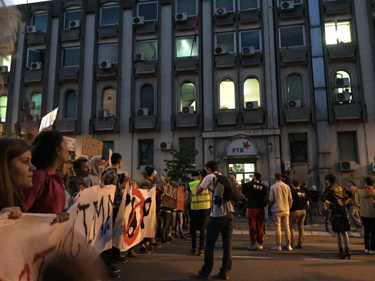 Prrotest Novi Sad 6. dan RTV foto Maja Ledjenac