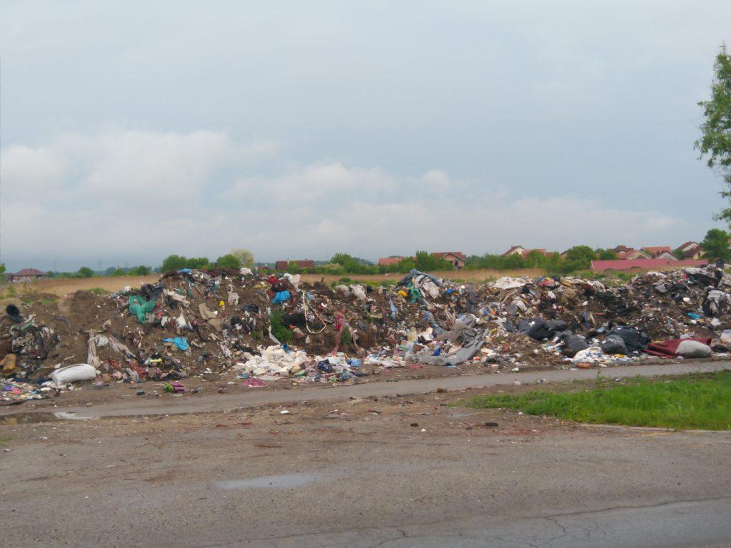 ilegalna deponija na klisi